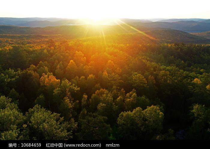 山林日出朝阳风景图片