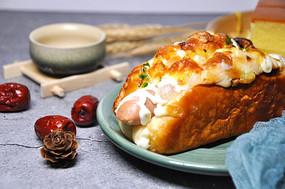 香肠面包和红枣
