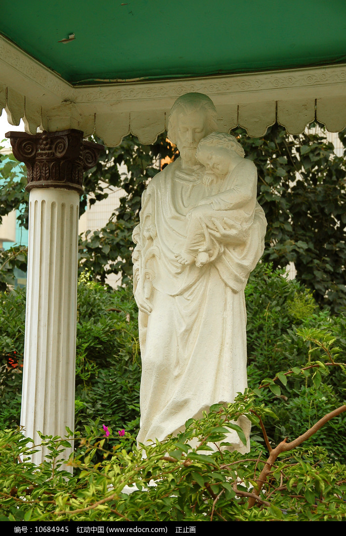 北京王府井天主堂东堂耶稣塑像图片