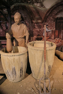 古人制瓷工艺雕像