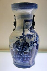双狮耳人物纹瓷瓶民国