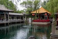 山东济南趵突泉观澜亭和泉池