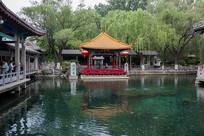 山东济南趵突泉绿色泉池