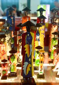 越南传统服饰妇女摆件