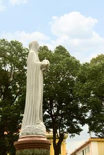 越南西贡圣玛利亚大教堂塑像