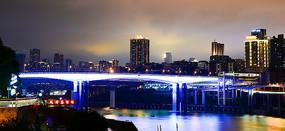 重庆夜景之神秘的渝澳大桥