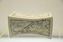 白釉束腰形瓷枕头北宋磁州窑