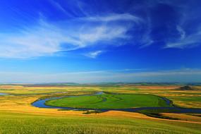 呼伦贝尔牧场河湾