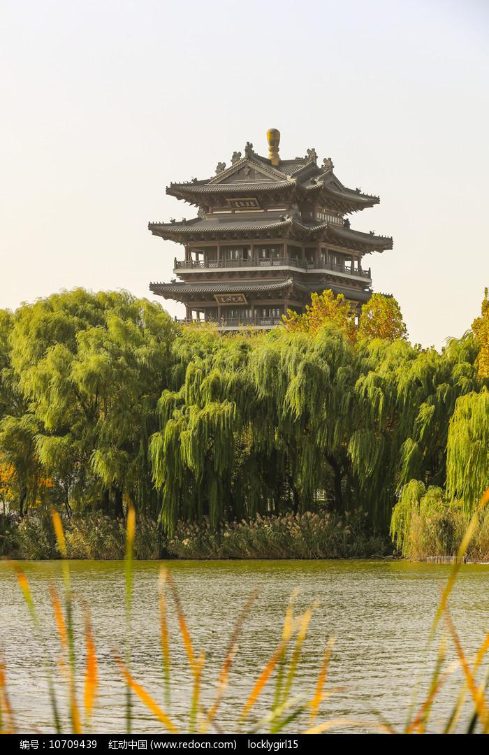 济南大明湖历史名楼超然楼图片