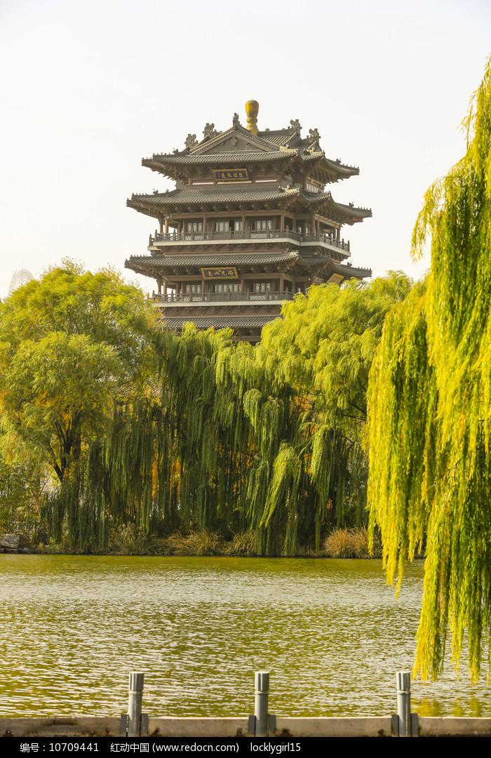 老济南大明湖超然楼图片