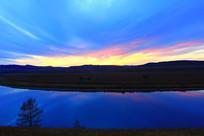 内蒙古黄昏的额尔古纳河