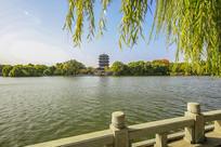 老济南大明湖畔超然楼