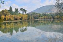 秋天山水风景图片
