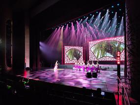 山东省会大剧院舞台