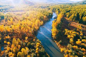 林海金秋河流