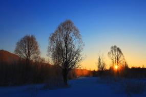 大兴安岭雪原日出