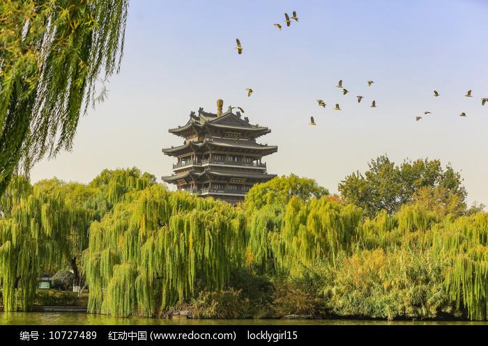 济南大明湖公园古建筑之超然楼图片