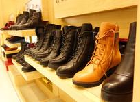 商场皮鞋展示
