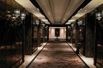 宾馆电梯间