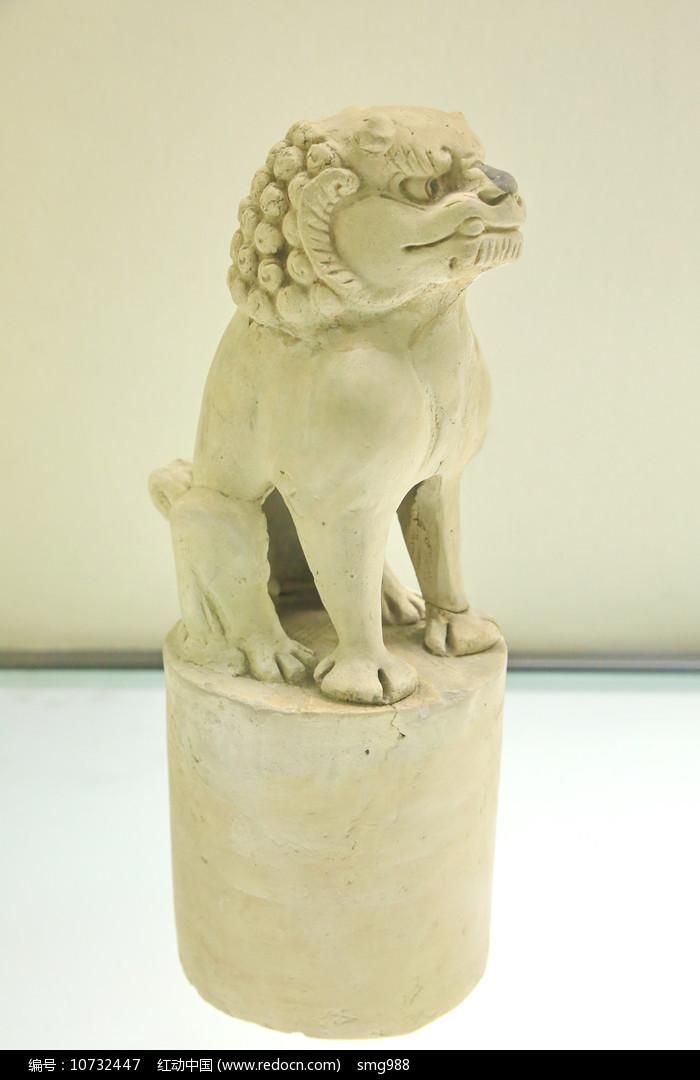 素胎蹲狮子脊饰图片