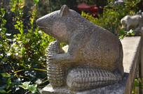 老鼠雕塑艺术图片