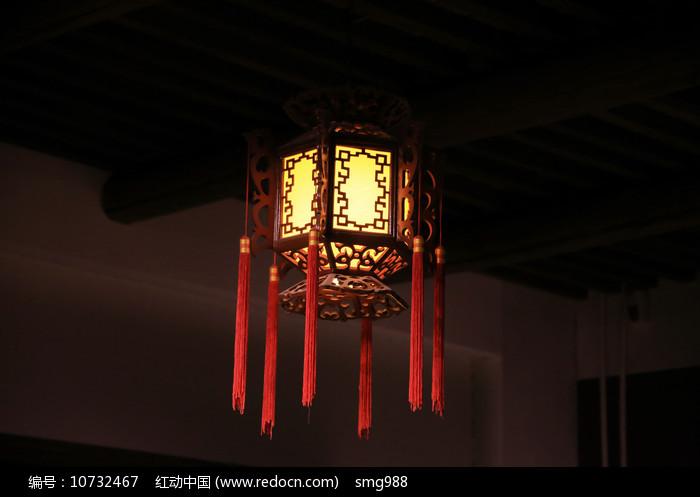 木灯笼图片