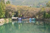 秋天湖边山水风景