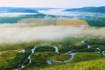 湿地河湾清晨云雾迷蒙