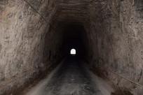 石头山洞内部景观