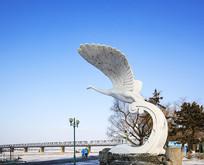 哈尔宾中东铁路桥天鹅雕塑