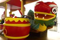中国端午节龙舟和粽子雕塑