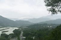 成都都江堰岷江老堤阴雨