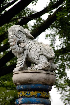 都江堰伏龙观大象灰塑装饰