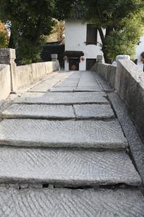 上海练塘古镇石拱桥竖构图