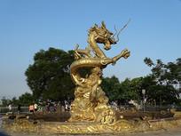 聚龙山金龙雕塑