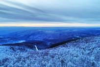 雪域山林的黄昏