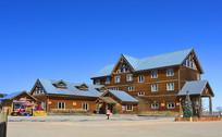成都西岭雪山山顶的木楼酒店