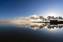 静谧的盐湖日出