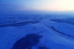 雪域雪原阳晨光