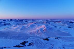 雪域雪原暮色夕阳