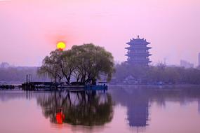 大明湖超然楼日出