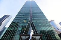 仰拍的上海汇亚大厦
