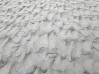 海水冲刷沙滩
