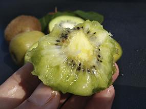 绿色果树猕猴桃 JPG