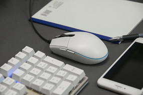 白色鼠标键盘