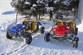 雪地越野車