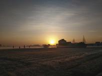 乡村冬日薄雾