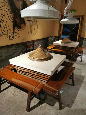乡村柴火鸡特色餐馆特色餐桌