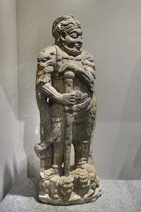 唐代砂石雕天王像