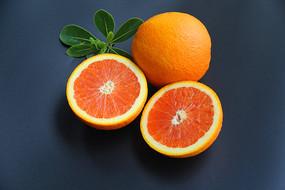 臍橙黑底素材